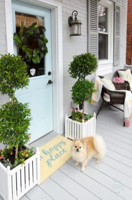Festive Valentine Porch Decorating Ideas 16