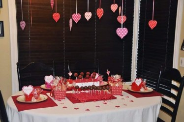 Inspiring Table Decoration Ideas For Valentines Party 23