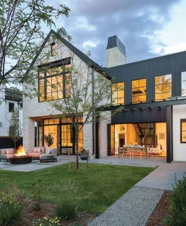 Modern Farmhouse Exterior Designs Ideas 09