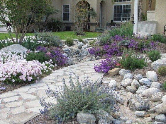 Gorgeous Front Yard Landscaping Remodel Ideas 23