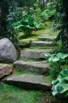 Stylish Stepping Stone Pathway Décor Ideas 17