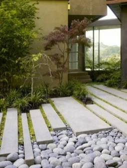Stylish Stepping Stone Pathway Décor Ideas 32