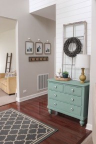 Stunning Farmhouse Entryway Decoration Ideas 14