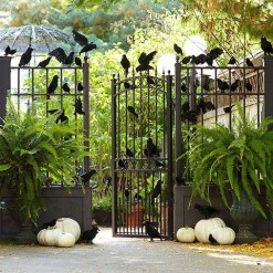 Amazing Halloween Black Decor Ideas To Scary Party Ever 29