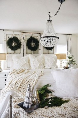 Stunning Bedroom Design And Decor Ideas With Farmhouse Style15