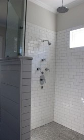 Elegant Farmhouse Shower Tiles Design Ideas02