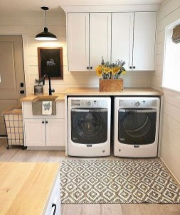 Popular Farmhouse Laundry Room Decorating Ideas28