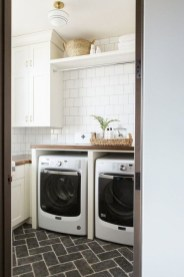 Popular Farmhouse Laundry Room Decorating Ideas40