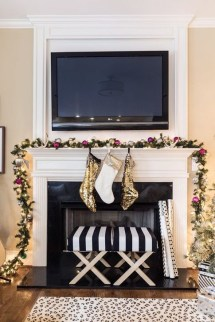 Popular White Christmas Design And Decor Ideas15
