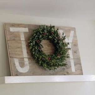 Lovely Christmas Porch Makeover Ideas23