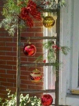 Lovely Christmas Porch Makeover Ideas26