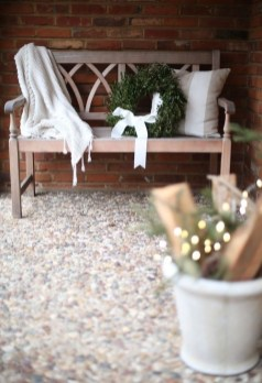 Lovely Christmas Porch Makeover Ideas35