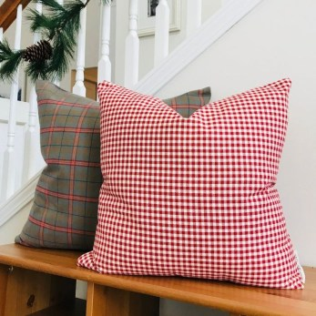 Stunning Red Christmas Pillow Design Ideas32