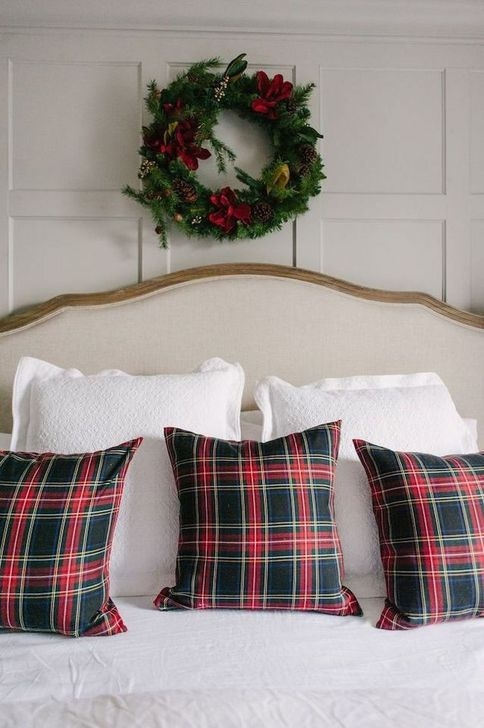Stunning Red Christmas Pillow Design Ideas41