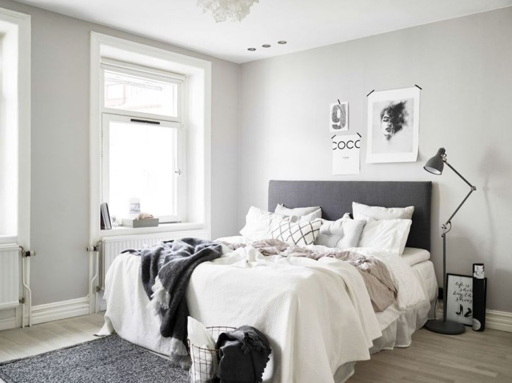 Stunning White Black Bedroom Decoration Ideas For Romantic Couples19
