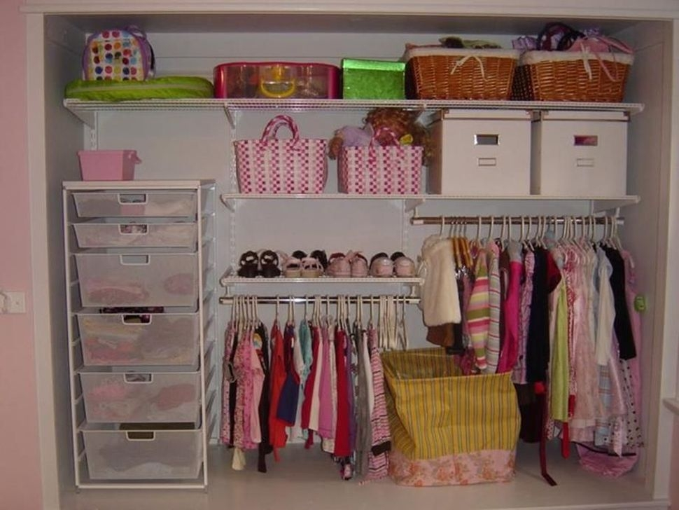 Magnificient Kids Closet Organization Ideas05