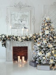 Perfect White Christmas Decoration Ideas05