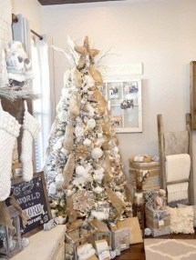 Perfect White Christmas Decoration Ideas17