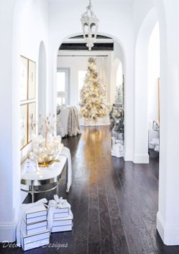 Perfect White Christmas Decoration Ideas35
