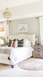 Affordable Lake House Bedroom Decorating Ideas32
