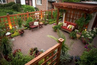 Stylish Wooden Privacy Fence Patio Backyard Landscaping Ideas19