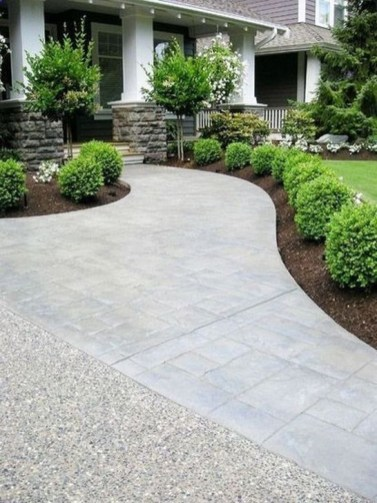 Relaxing Front Sidewalk Landscaping Ideas24