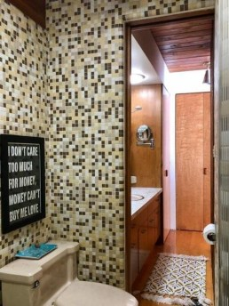 Catchy Bathroom Mosaics Design Ideas 11