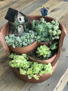 Astonishing Succulent Decoration Ideas For Living Room 23