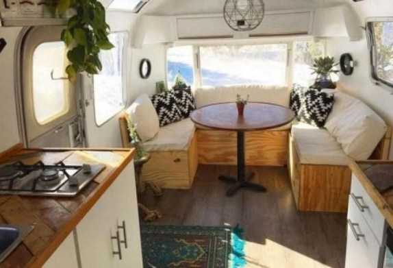 Splendid Rv Camper Remodel Ideas 23