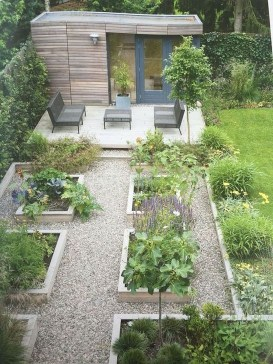 Unusual Vegetable Garden Ideas For Home Backyard 26