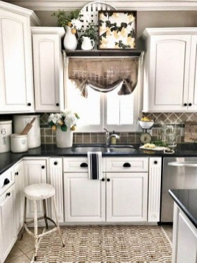 Stylish Farmhouse Kitchen Design Ideas To Bring Classic Look 17