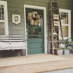 Extraordinary Fall Porch Ideas That Will Be Surely Comfortable 13