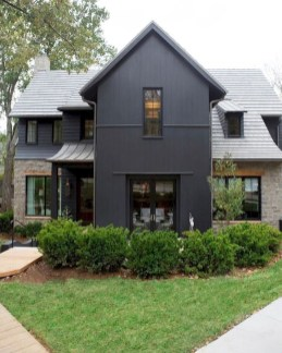 Fantastic Farmhouse Exterior Design Ideas That Looks Cool 07