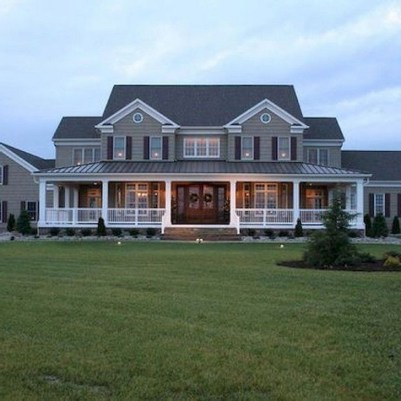 Fantastic Farmhouse Exterior Design Ideas That Looks Cool 20