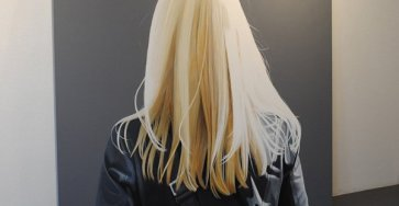 Creative Painting of figures portrayed from behind by Sabine Leibchan