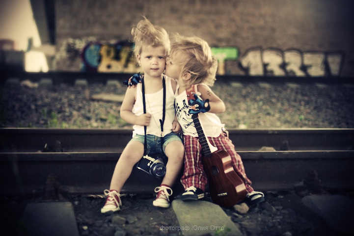 Cute Little Love Couple Hd Wallpaper Cute And Adorable Expression Photography Ideas For Kids