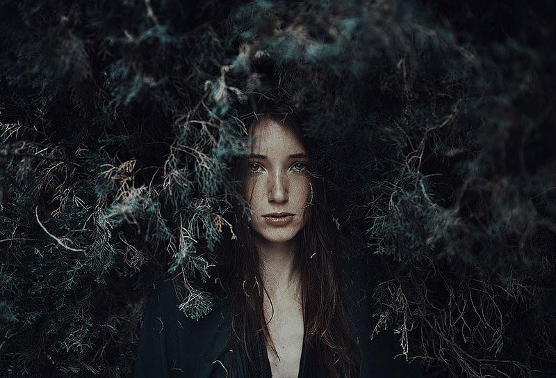 Unique Concept Female Portrait Photography by Alessie Albi 01