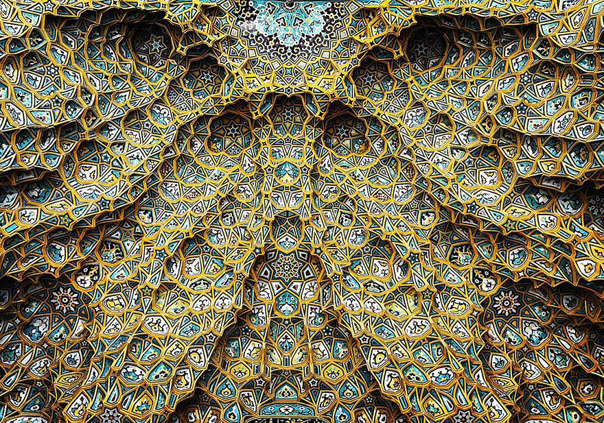 The Hypnotizing Beauty Of Iranian Mosque Ceilings 01