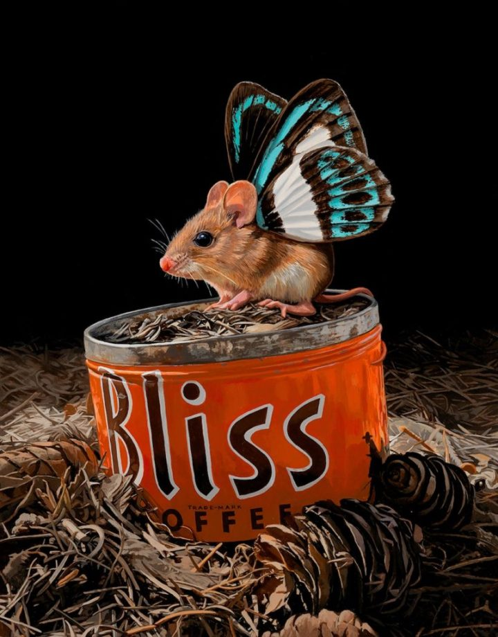 detailed-paintings-tiny-mouse-with-butterfly-wings-by-lisa-ericson