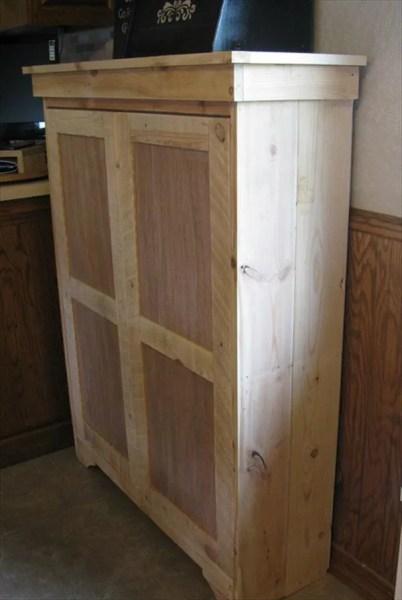 diy kitchen pantry cabinet DIY Pallet Pantry - Pallet Cabinet | 99 Pallets