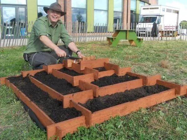 9 DIY Pallet Garden Bed Ideas 99 Pallets