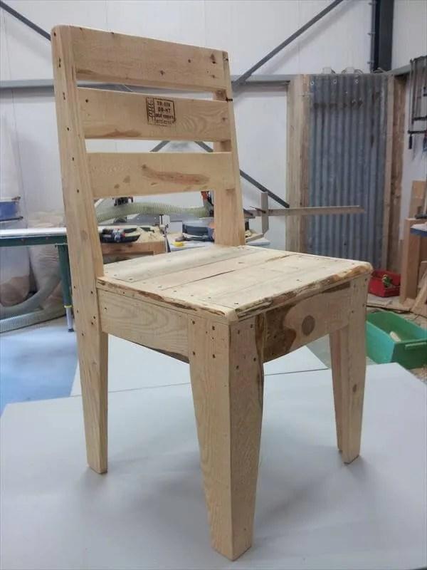 DIY Pallet Wood Chair