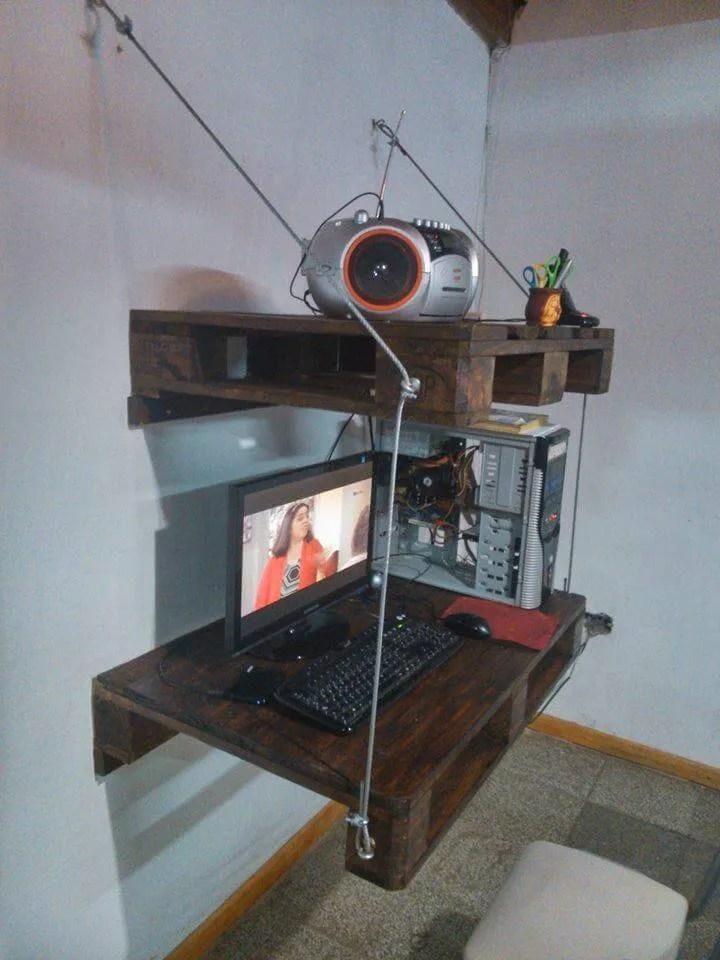 DIY Pallet Wall Hanging Computer Desk