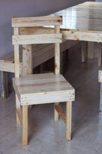 DIY Pallet Farmhouse Dining Furniture Set