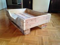 DIY Pallet Dog Bed with Flat Wooden Legs