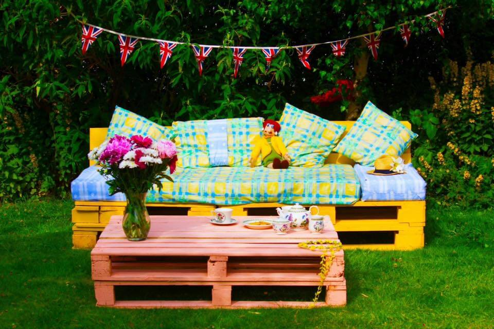 Pallet Patio Furniture And Garden Set 99 Pallets