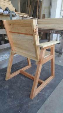 Pallet Chair With Trapezoid Legs