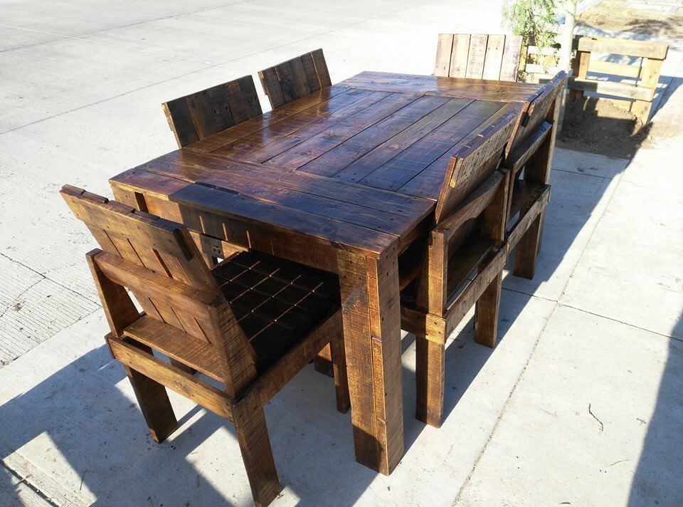 Wooden Pallet Dining Table and Chairs Set