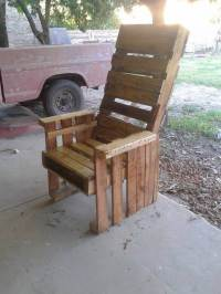 DIY Wooden Pallet Chairs