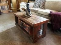 DIY Rustic Wood Pallet Coffee Table | 99 Pallets